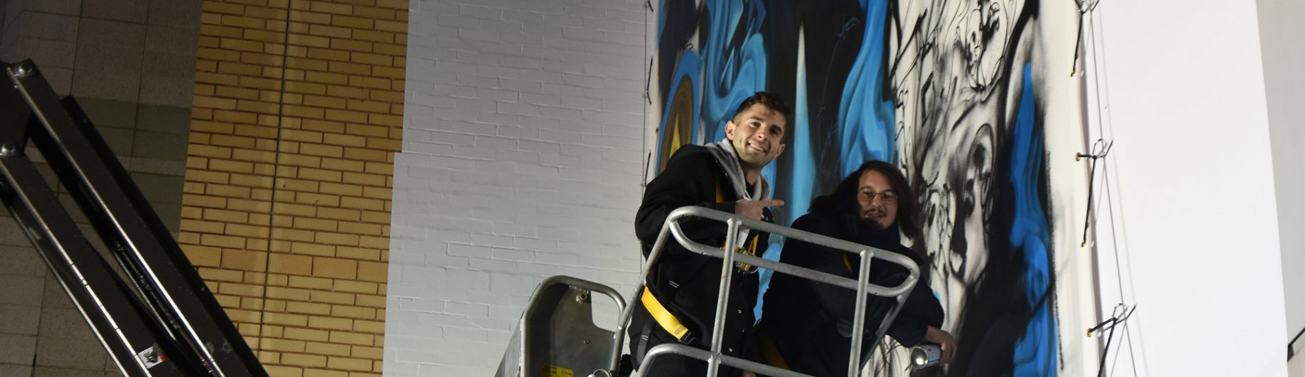 Pulisic Lends A Hand To Memorial Painting